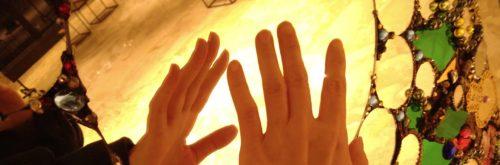 鏡と手(短)